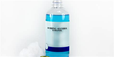 can you use bathroom cleaner in kitchen 11 surprising uses for rubbing alcohol rubbing alcohol