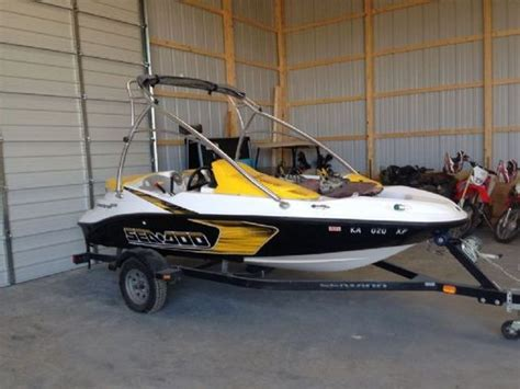 seadoo boat pics 15 feet 2009 sea doo speedster 150 jet boat black yellow