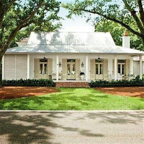 plantation style homes plantation style caribbean home