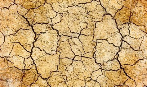 earth crack wallpaper free photo cracks drought earth land free image on
