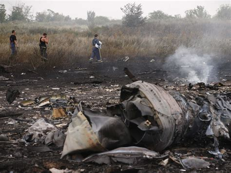 malaysia airlines mh 17 crash here s how malaysian airlines mh17 was destroyed in 12 seconds