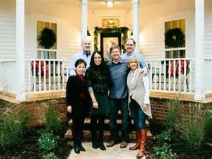 Chip Gaines Farm Fixer Upper Renovation And Holiday Decor At Magnolia