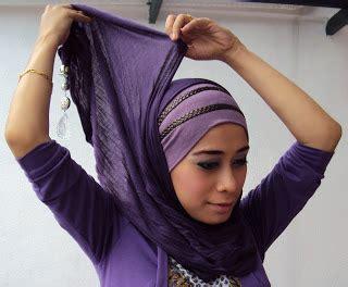 cara memakai selendang two layer cara memakai selendang panjang gypsy arab blog trck