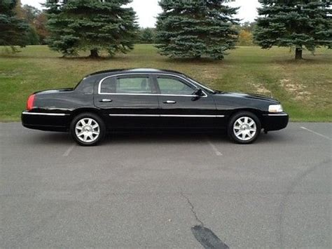 lincoln town car wheelbase lincoln town car for sale page 34 of 77 find or sell