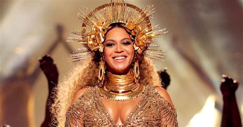 Beyonces New by How To Get Beyonce S 20 Golden Glow At The 2017 Grammys