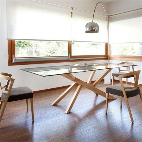 plateau verre table design en verre et pieds bois tree domitalia 174 4 pieds tables chaises et tabourets