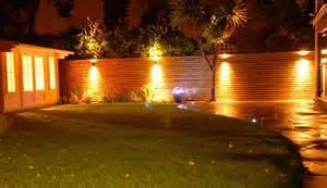 4 x solar fence lights 55 off