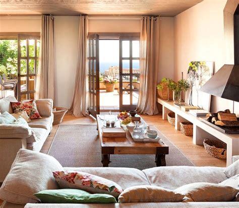 Wohnzimmer Einrichtung Mediterran Ein Wundersch 246 Nes Sonnendurchflutetes Wohnzimmer Mit