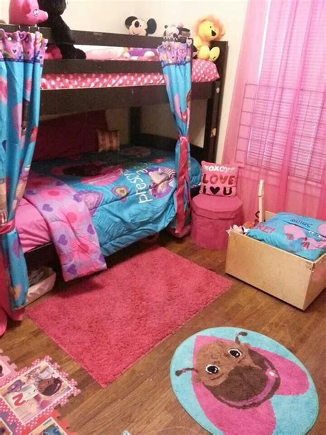 doc mcstuffin bedroom my daughter s doc mcstuffins bedroom harper olivia s room inspiration pinterest