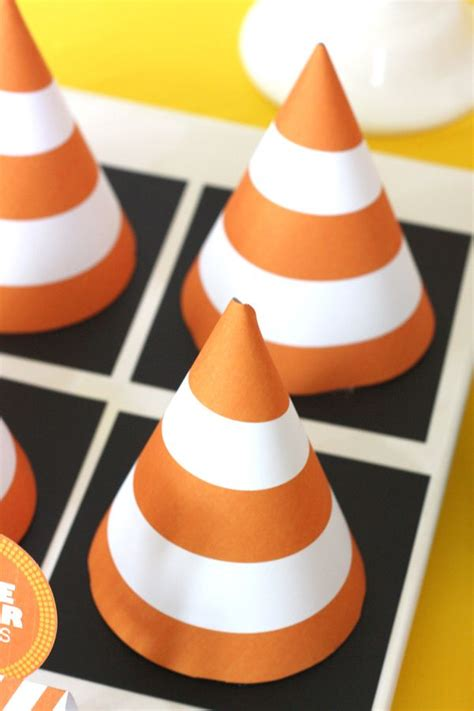 i dig you party favors i dig you construction birthday party cone favor boxes