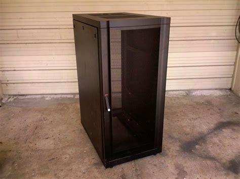 apc server cabinet 42u enclosed ar2805blk