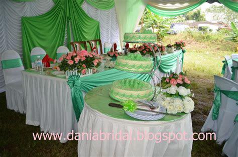 Hiasan Meja Makan Pengantin butik pengantin dania pelamin pillar tema hijau