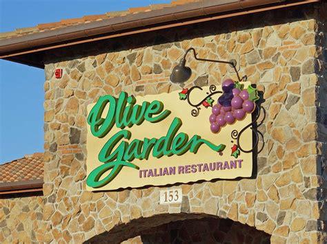 with olive garden olive garden s new logo business insider