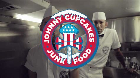 Topi Trucker Johnny Cupcakes Uzgy johnny cupcakes x junk food tastemakers new york
