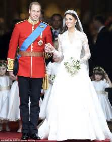 Forget kate middleton s dress it s princess diana s bridal gown that