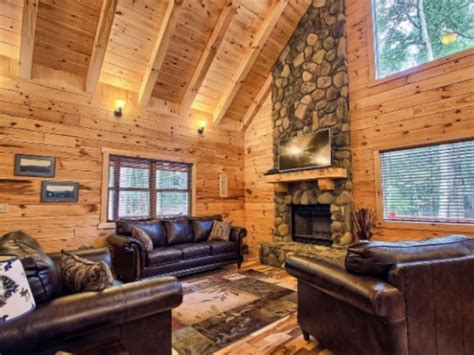 Cabins By The Caves by Cabins By The Caves Lodges