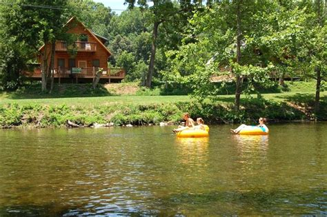 cabins in townsend tn on the river log cabins on the