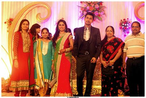 vijay tv anchor priyanka wedding photography vijay tv anchor priyanka wedding photos apexwallpapers com