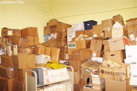 where can i buy boxes for moving house how to recycle moving boxes moving tips