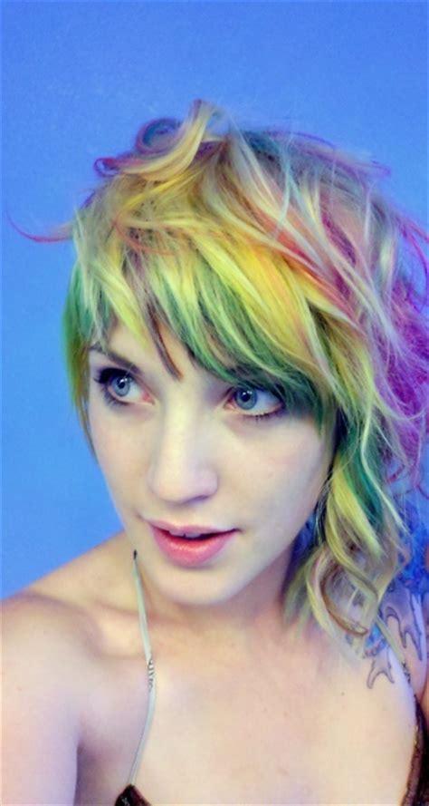 imagenes de pintado de cabello chicas con pelo pintado con colores del arco 237 ris