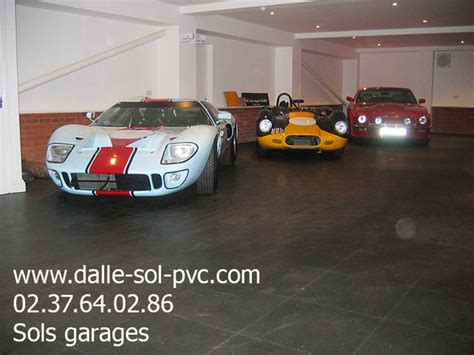 Revetement Sol Pvc Garage by Revetement De Plancher De Garage En Dalle Sol Pvc