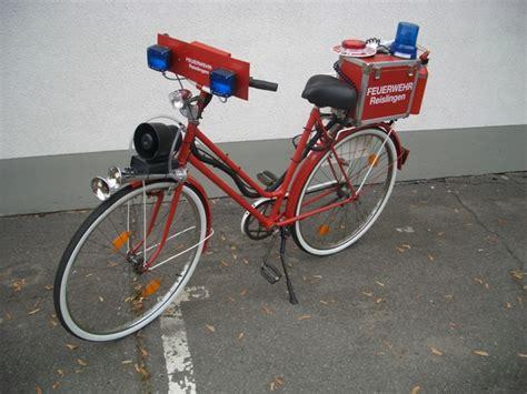 Feuerwehr Aufkleber Fahrrad by Feuerwehreinsatz Mit Dem Rad Zur Wache Feuerwehr Einsatz