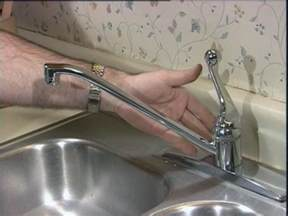 Kitchen Faucets Leaking How To Fix Leaking Kitchen Faucet Kitchen Ideas