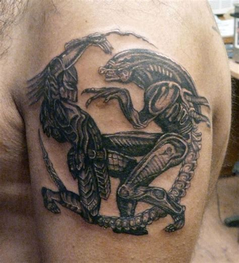 alien movie tattoo designs biomechanical vs predator ideas on shoulder
