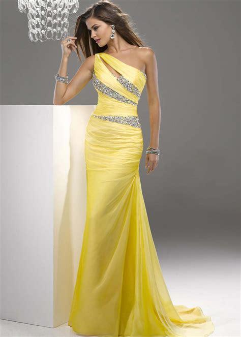 what color prom dress should i get one shoulder prom dresses dressed up