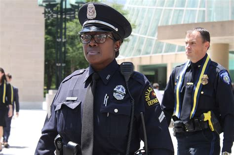female officers hairstyles hairstyles for women police officers dallas is hurting