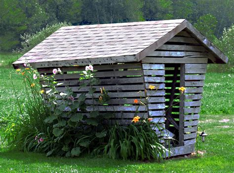 Country Cottage House Plans Start Small Think Small Consider A Corn Crib