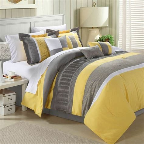 yellow quilts and comforters 25 best ideas about yellow comforter on pinterest