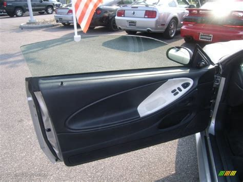 2001 ford mustang door panel 2001 ford mustang gt coupe charcoal door panel photo