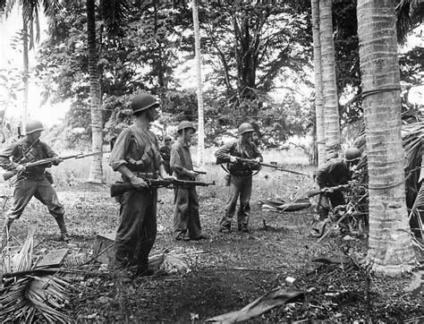 Marines Search Marines Search For Japanese Snipers On Guadalcanal 1942 World War Photos