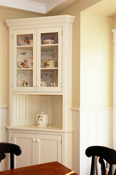 i am looking for a corner hutch for small dining area