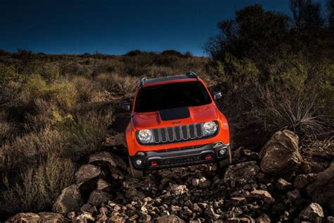 Jeep Renegade Ground Clearance 08 2016 Jeep Renegade Trailhawk Rocks Photo 153602207