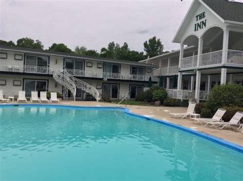 boat okoboji rental arnolds park ia the inn at okoboji in okoboji ia indoor pool outdoor