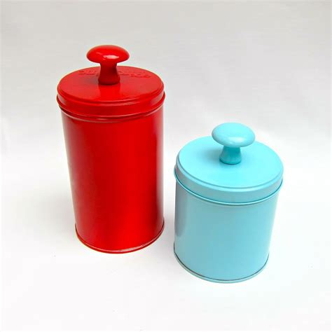 make decorative storage containers from recycled tins - Recycled Storage Containers