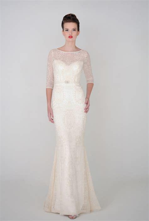 Brautkleid Langarm Schlicht by 21 Ridiculously Stunning Sleeved Wedding Dresses