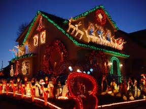 Beautiful Christmas Homes Decorated by Beautiful Christmas Decorated House Pictures Photos And