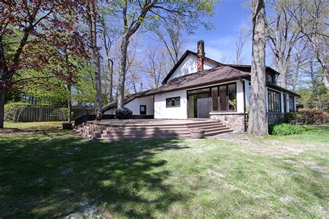 lake simcoe cottage right on the waterfront