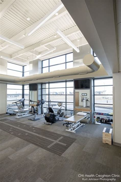 physical layout of salon chi health alegent creighton clinic physical therapy room