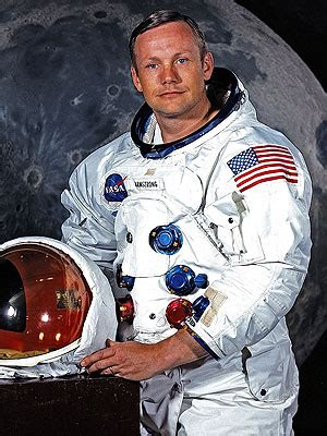 neil alden armstrong biography in hindi top 10 famous pilots of nasa