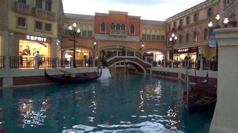 boat ride venetian gondola ride the venetian macau youtube