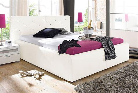 bett platzierung im schlafzimmer moderne polsterbetten aequivalere