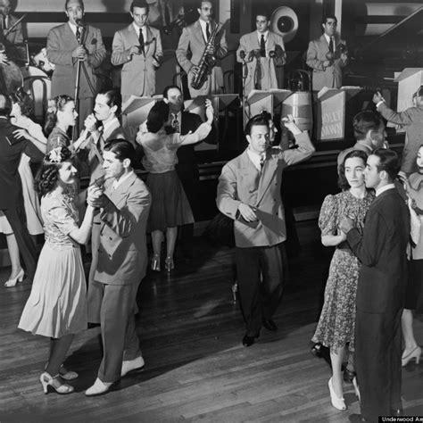 swing dancing in london swingdance uk a little bit of swing a whole lot of fun