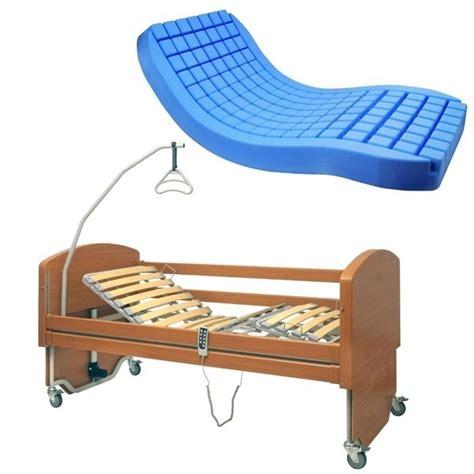 letto antidecubito letto da degenza elettrico in legno e materasso antidecubito