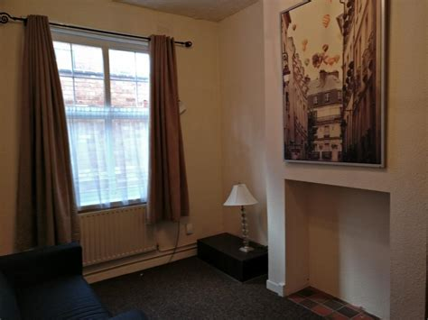 one bedroom flat leicester 1 bed flat to rent clarendon park road leicester le2 3ad
