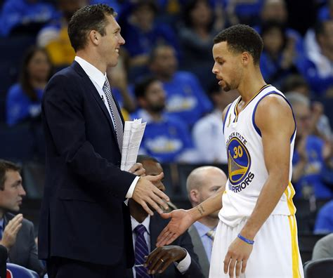 walton consults with kerr as warriors prepare for quick