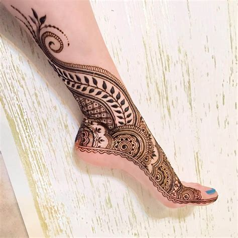 unique henna tattoos 25 beautiful modern mehndi designs 2018 mehndi crayon